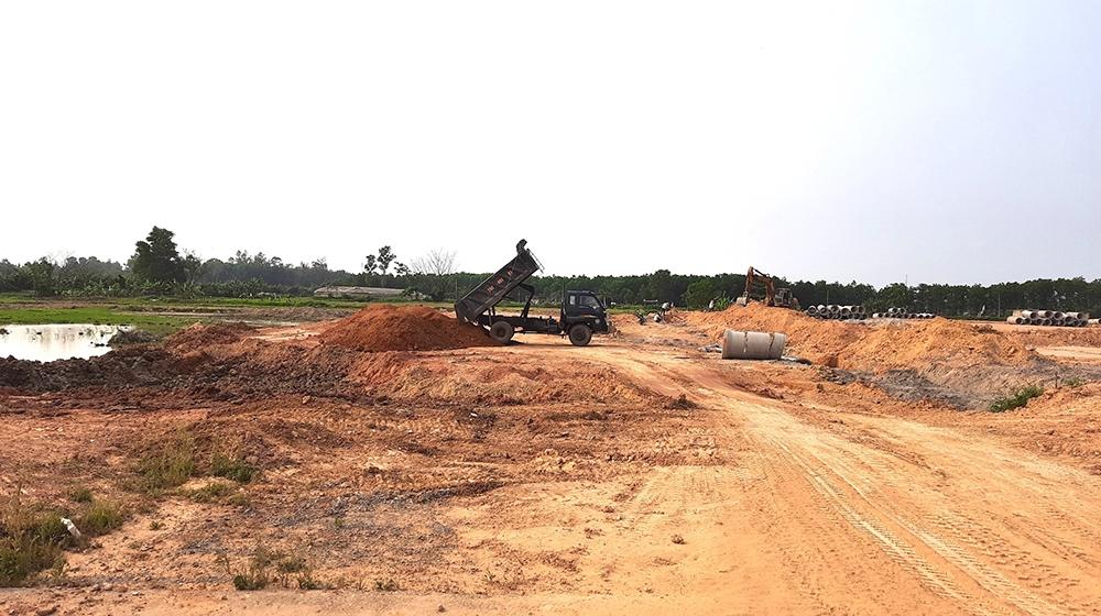 """UBND tỉnh Quảng Trị chấn chỉnh công tác quản lý trước tình trạng """"sốt"""" ảo"""