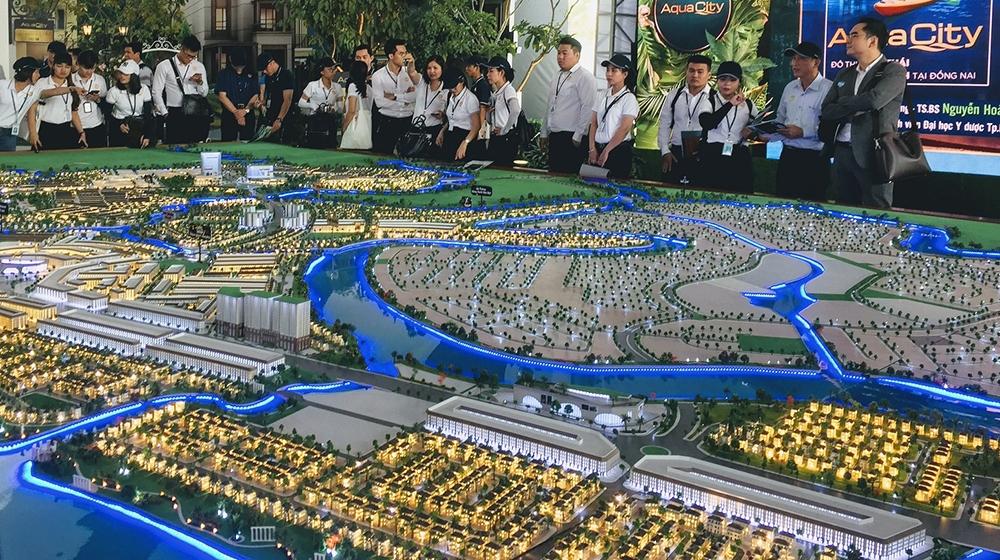 Đâu là giải pháp dài hạn cho thị trường và doanh nghiệp bất động sản?