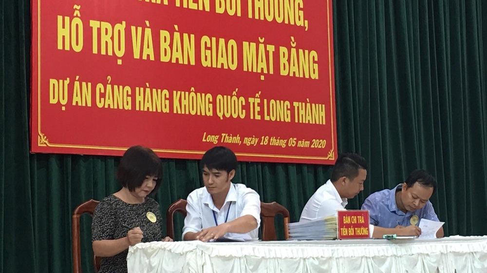 Đền bù đợt 1 cho 17 hộ dân đầu tiên tại dự án sân bay Long Thành