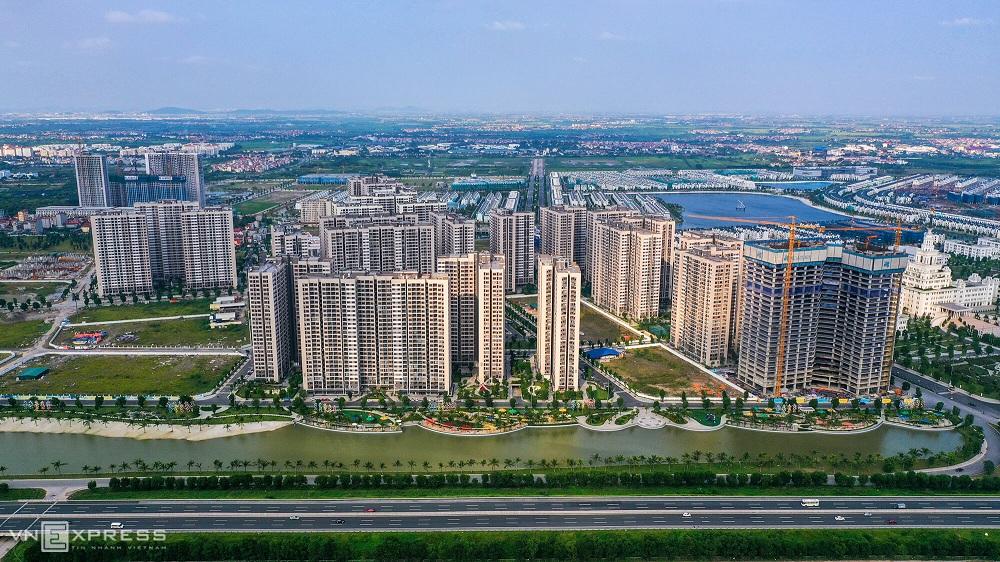 Chung cư Hà Nội, TP.HCM tiếp tục tăng giá, dự báo khó giảm